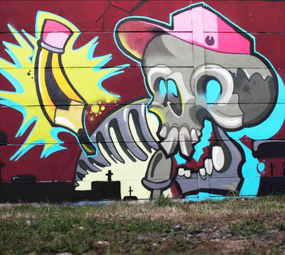 New school skull streetart by Lehel Nyeste